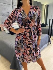 Sukienka ModnaKiecka.pl z długim rękawem kopertowa midi