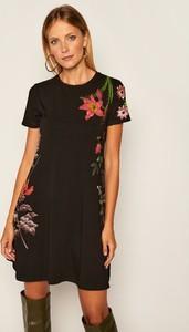 Sukienka Desigual mini z krótkim rękawem