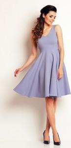Niebieska sukienka Awama rozkloszowana