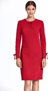 Sukienka Colett prosta z długim rękawem