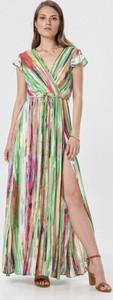 Zielona sukienka born2be prosta maxi z krótkim rękawem
