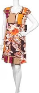 Sukienka Betty Barclay z krótkim rękawem