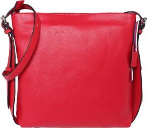 Czerwona torebka Esprit w sportowym stylu