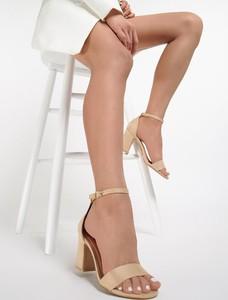 Sandały Renee na obcasie
