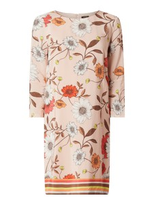Różowa sukienka More & More z długim rękawem