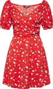 Czerwona sukienka Missguided z krótkim rękawem w stylu casual kopertowa
