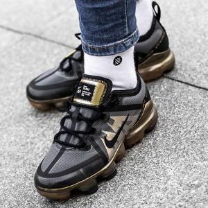 c96a0ce92f766 Buty sportowe Nike z płaską podeszwą sznurowane w sportowym stylu