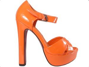 Pomarańczowe sandały Kokietki z klamrami