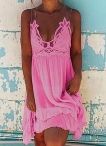 Różowa sukienka Sandbella
