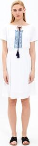 Sukienka Gate z krótkim rękawem w stylu casual