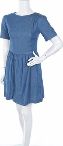 Niebieska sukienka Katrus rozkloszowana w stylu casual