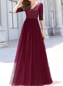 Czerwona sukienka Cikelly z dekoltem w kształcie litery v maxi z tiulu
