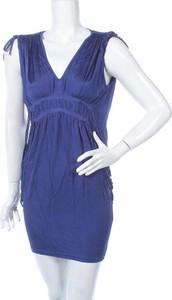 Sukienka Warehouse z dekoltem w kształcie litery v