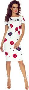 Sukienka producent niezdefiniowany z dekoltem w karo z krótkim rękawem
