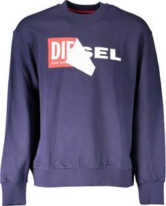 Sweter Diesel w młodzieżowym stylu