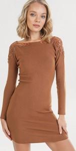 Sukienka born2be z długim rękawem mini w stylu casual