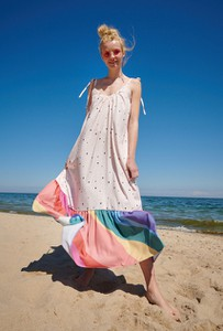 Sukienka Naoko z dekoltem w kształcie litery v maxi na ramiączkach