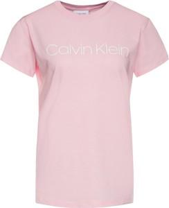 Różowy t-shirt Calvin Klein z krótkim rękawem w stylu casual