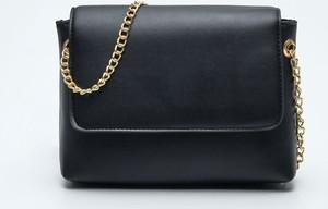 Czarna torebka Sinsay w stylu casual na ramię