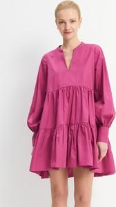 Różowa sukienka Mohito z długim rękawem z dekoltem w kształcie litery v