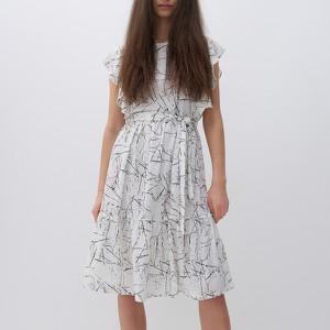 Sukienka Reserved z okrągłym dekoltem mini z krótkim rękawem