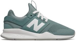 Błękitne buty sportowe New Balance w sportowym stylu sznurowane