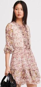 Różowa sukienka Reserved z długim rękawem w stylu casual