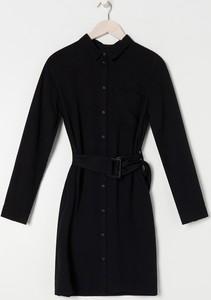 Czarna sukienka Sinsay koszulowa w stylu casual z kołnierzykiem