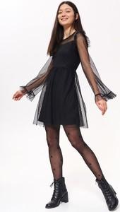 Czarna sukienka Troll z długim rękawem trapezowa