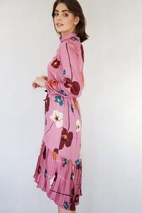 Sukienka Endoftheday w stylu casual asymetryczna