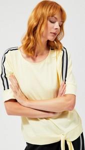 Bluzka Moodo w stylu casual z krótkim rękawem