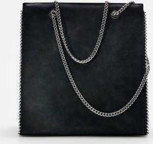 Czarna torebka Cropp na ramię