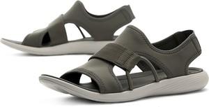 Brązowe sandały Merrell w stylu klasycznym