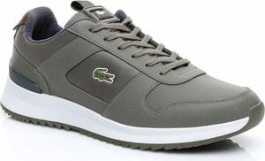 Brązowe buty sportowe Lacoste w sportowym stylu ze skóry