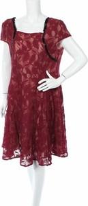 Czerwona sukienka Nextmia rozkloszowana