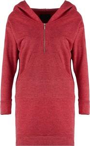 Czerwona sukienka By Insomnia z długim rękawem w stylu casual dopasowana