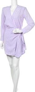 Sukienka Loavies w stylu casual mini z długim rękawem
