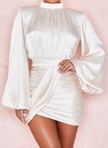 Sukienka Arilook z okrągłym dekoltem w stylu casual mini