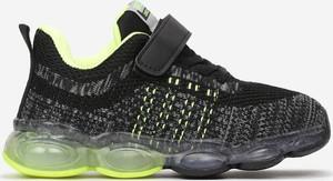 Czarne buty sportowe dziecięce born2be sznurowane