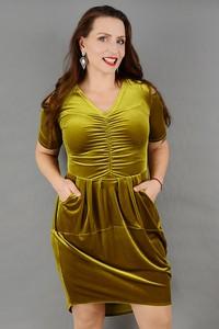 Złota sukienka Stabo w stylu casual z tkaniny