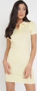 Żółta sukienka born2be mini dopasowana z krótkim rękawem