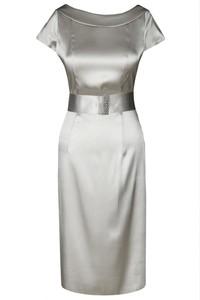 Złota sukienka Fokus midi z krótkim rękawem