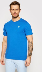 Niebieski t-shirt Guess w stylu casual z krótkim rękawem