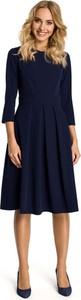 Granatowa sukienka MOE z okrągłym dekoltem midi
