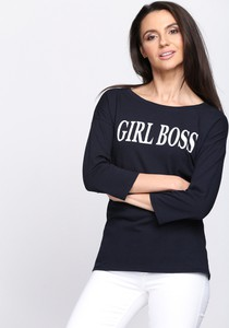Czarna bluzka Multu w młodzieżowym stylu