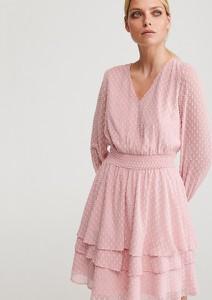 Różowa sukienka Reserved z dekoltem w kształcie litery v rozkloszowana z długim rękawem
