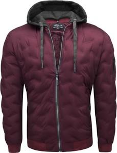 Czerwona kurtka Recea w stylu casual