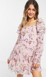 Różowa sukienka Forever U z żakardu z długim rękawem mini