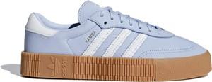 Niebieskie trampki Adidas niskie na platformie