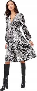Sukienka V by Very z dekoltem w kształcie litery v w stylu casual